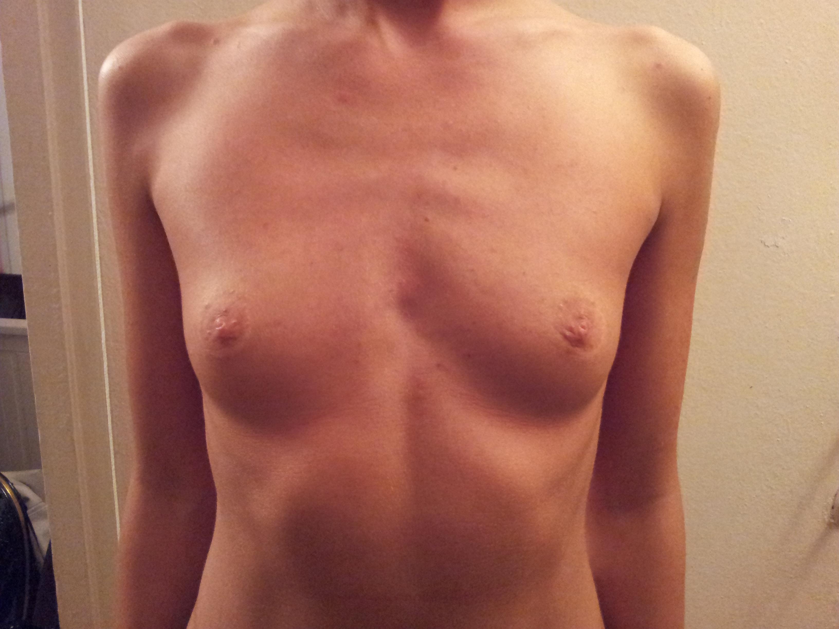 Сама мала грудь 13 фотография